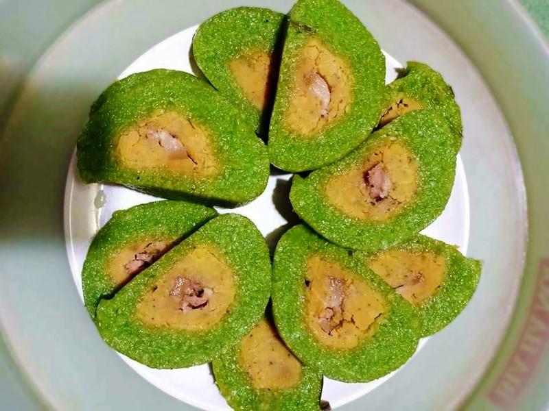 Sản phẩm bánh tét mặt trăng của làng Đại An Khê hiện nay rất được thị trường ưa chuộng