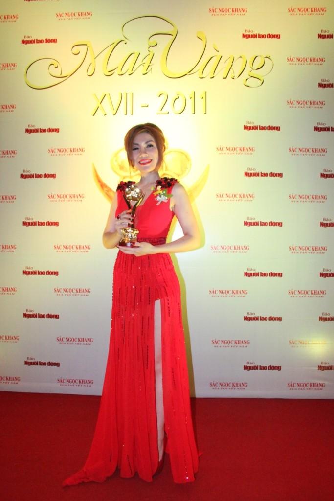 Uyên Trang – Ca sĩ hát nhạc âm hưởng dân ca, truyền thống cách mạng được yêu thích nhất (với ca khúc Cô gái Sài Gòn đi tải đạn).